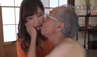 子宝に恵まれない息子の嫁 早川瀬里奈を診断するふりして性行為に持ち込む淫乱義父
