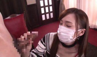 マスクを取ると超美形!伝説のフードル すみれ美香にフェラ奉仕させて豪快な顔射で報いる!