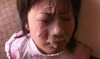 フェラチオさせた女の顔に濃密な精子をぶっかけたときのハメ撮りシーン集