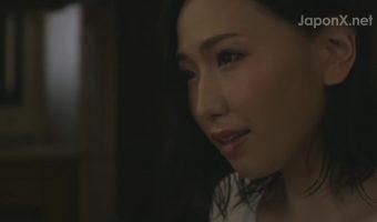 上司の美人の奥さん 佐山愛と二人だけになる性欲の強いマッチョの部下→戸惑いなく熱いSEXに移行w