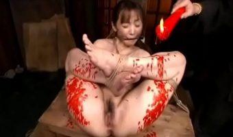 女囚人 みづなれいが赤いロウソクを垂らされバイブでマ〇コを攻められるクラシックな拷問シーン