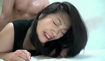 覚醒剤で逮捕されても反省の色が見えない小向美奈子を独房まで訪ね肉棒で性懲罰を与えるハメ撮り動画